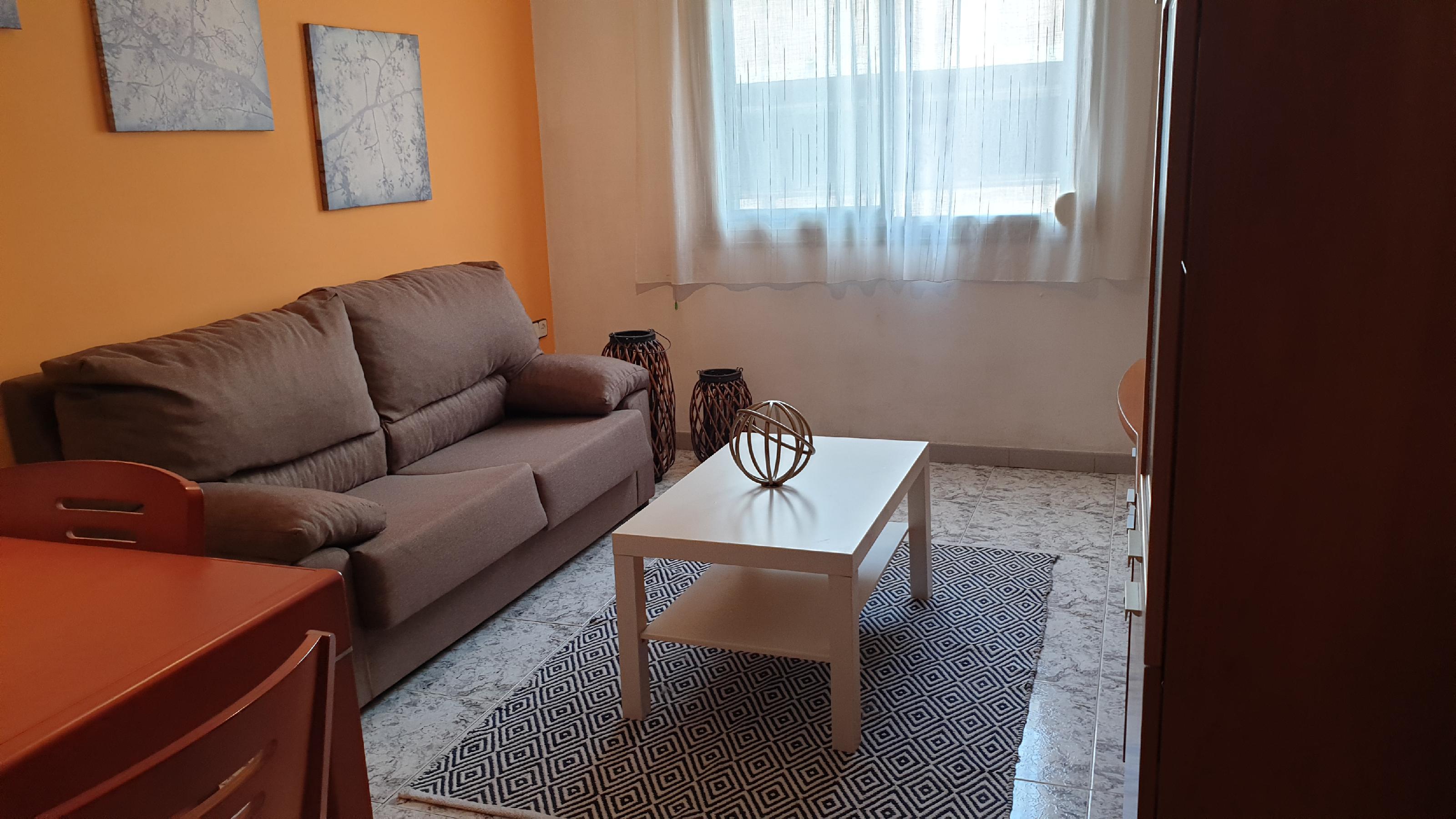 Imagen 1 Piso en venta en Hospitalet De Llobregat L´ / Pubilla Casas junto metro L-5 Can Vidalet