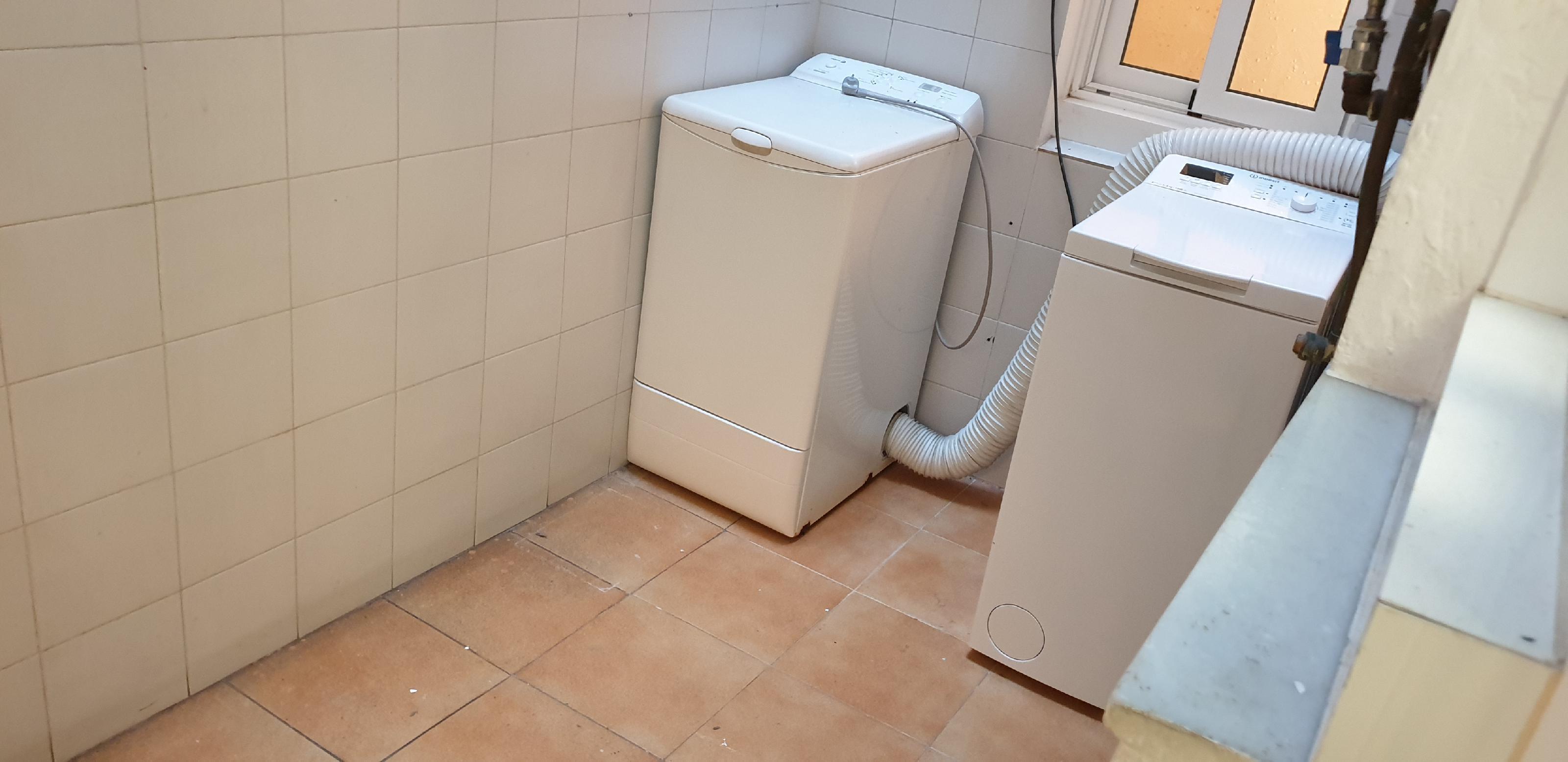 Imagen 2 Piso en venta en Hospitalet De Llobregat L´ / Junto metro L-5 Pubilla Casas