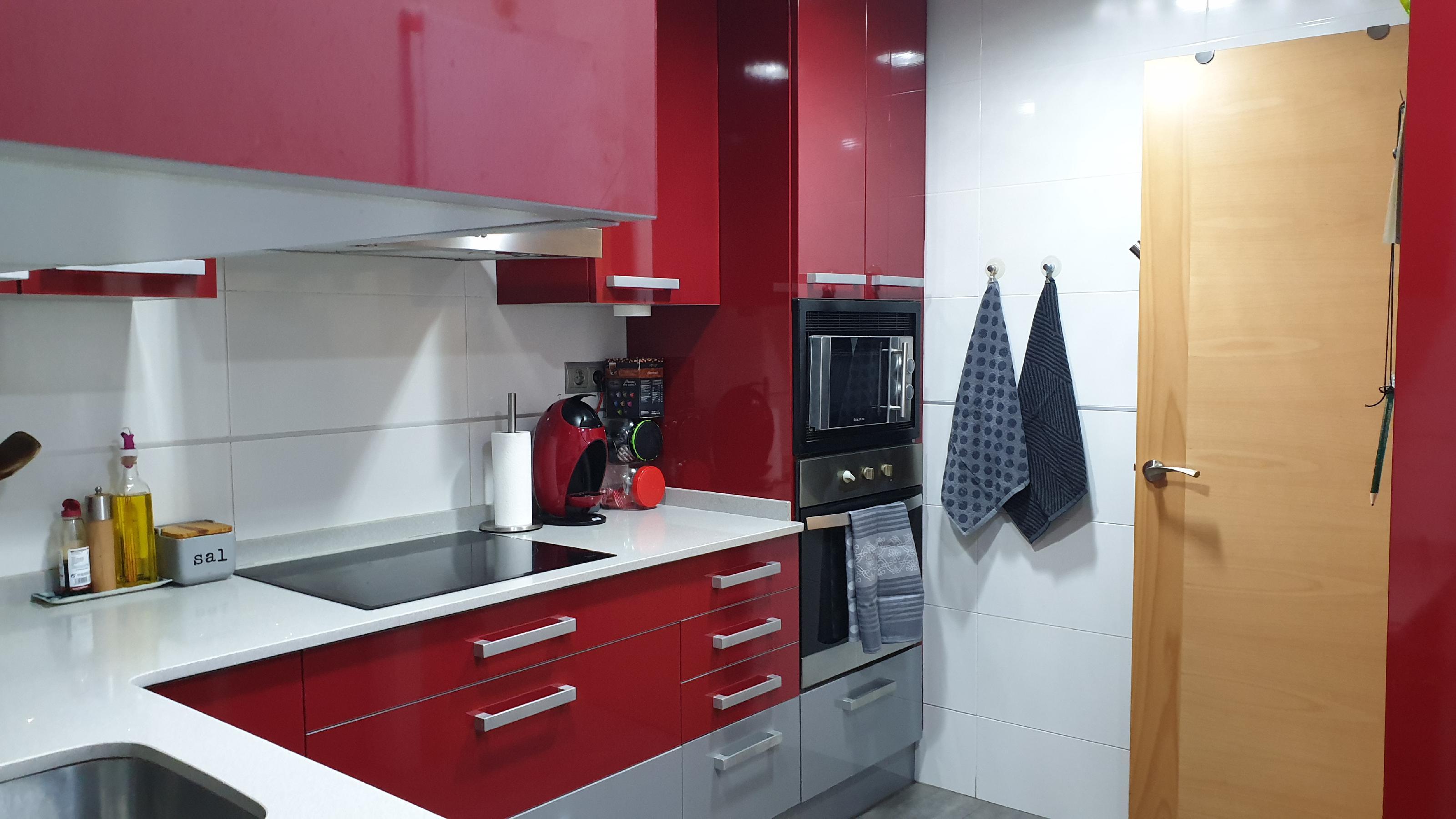 Imagen 3 Piso en venta en Hospitalet De Llobregat L´ / Junto metro L-1 Can Serra