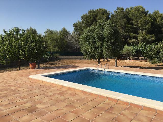 Imagen 1 Inmueble 225528 - Casa Aislada en venta en Calafell / Urbanización Valldemar.
