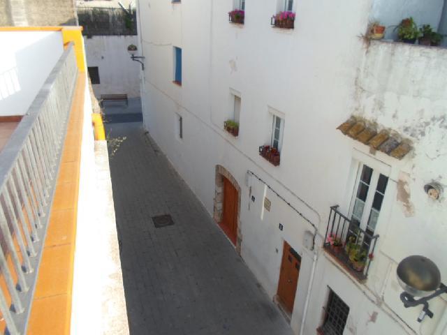 Imagen 1 Inmueble 229094 - Casa Adosada en venta en Cubelles / Casa en el centro del  pueblo en Cubelles iglesia