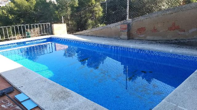 Imagen 1 Inmueble 250675 - Casa Aislada en venta en Bellvei / Casa independiente, con piscina.