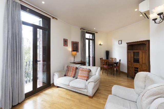 Imagen 1 Inmueble 218065 - Piso en venta en Barcelona / Junto C/ Casanova