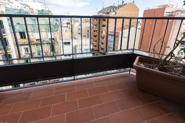 Imagen 1 Inmueble 232277 - Piso en venta en Barcelona / Independència - Freser