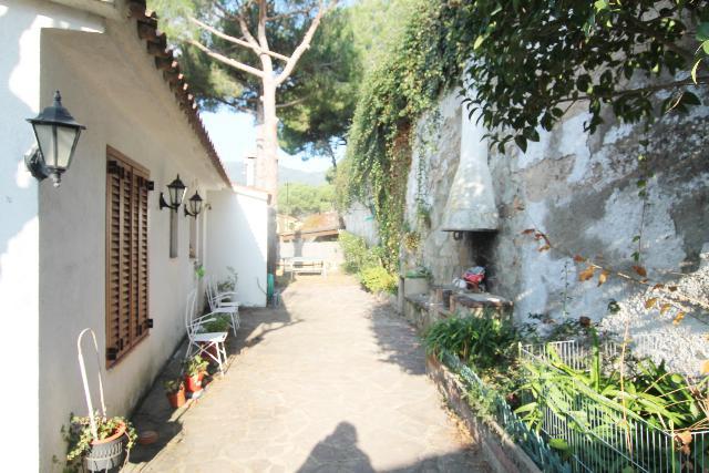 Imagen 1 Inmueble 214637 - Casa Aislada en venta en Cabrils / Urbanización Cabot
