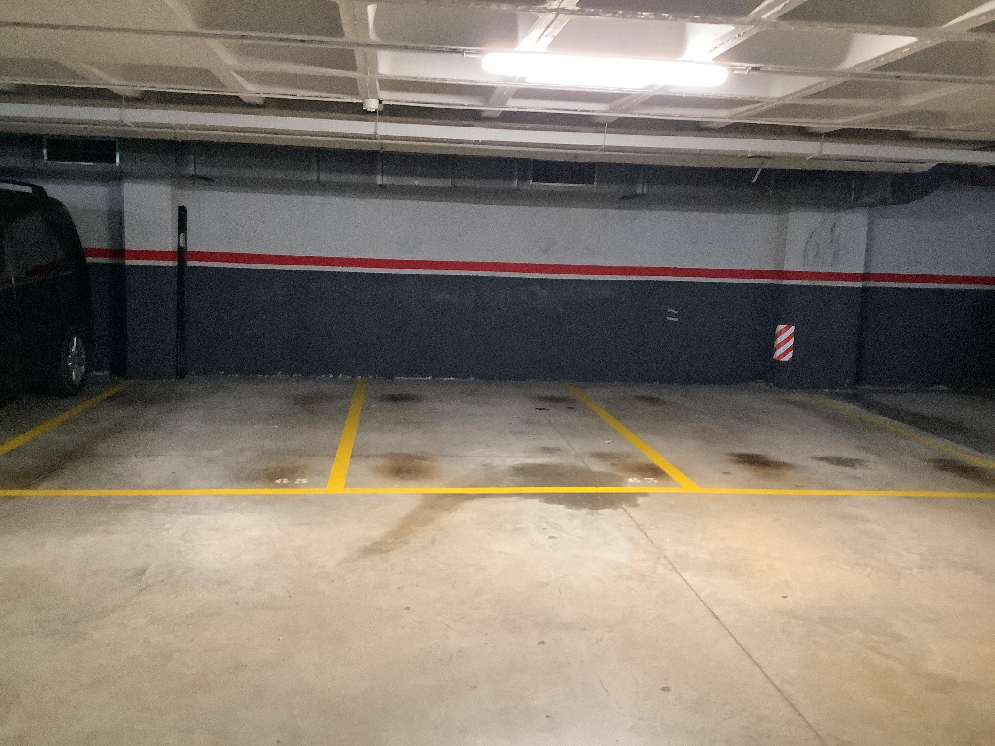 Imagen 3 Parking Coche en venta en Masnou El / Zona centro cerca de todos los comercios y servicios