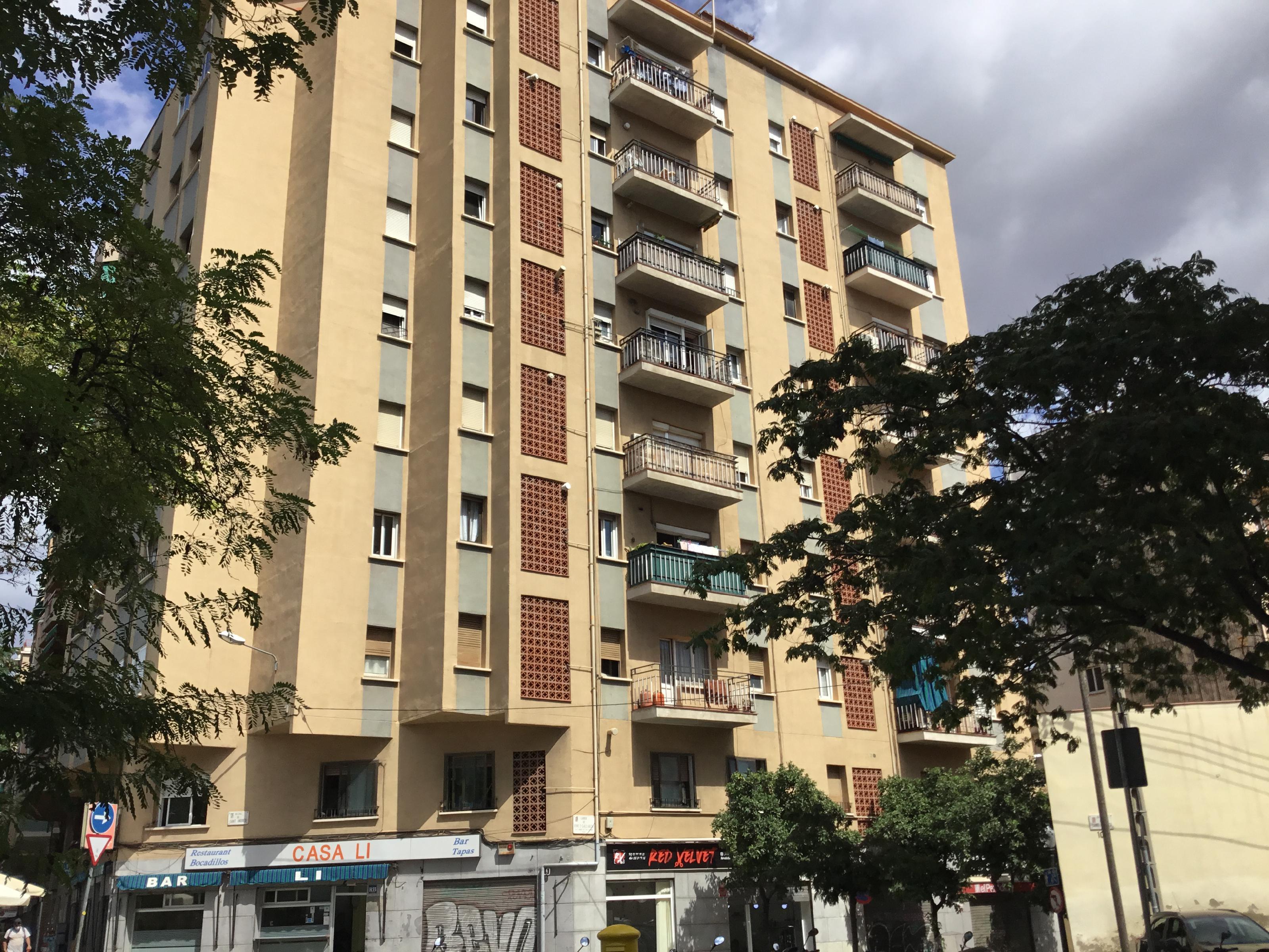 Imagen 1 Piso en venta en Barcelona / Cerca de Can Drago