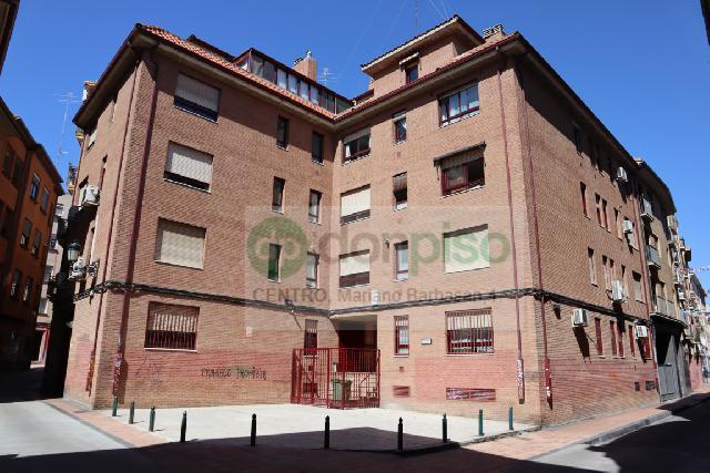 Imagen 1 Inmueble 239023 - Piso en venta en Zaragoza / Calle Manuela Sancho