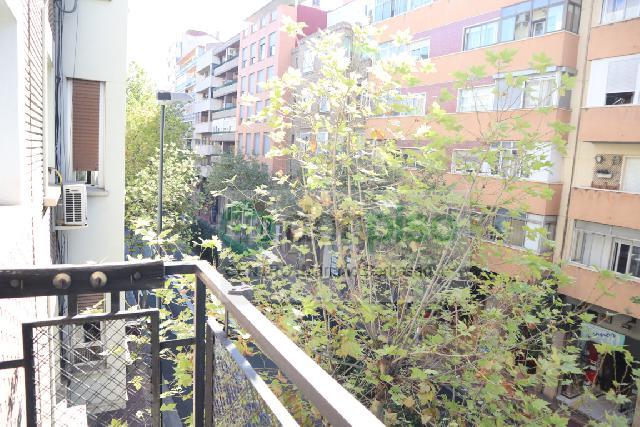 Imagen 1 Inmueble 242124 - Piso en venta en Zaragoza / Calle Avd.Madrid