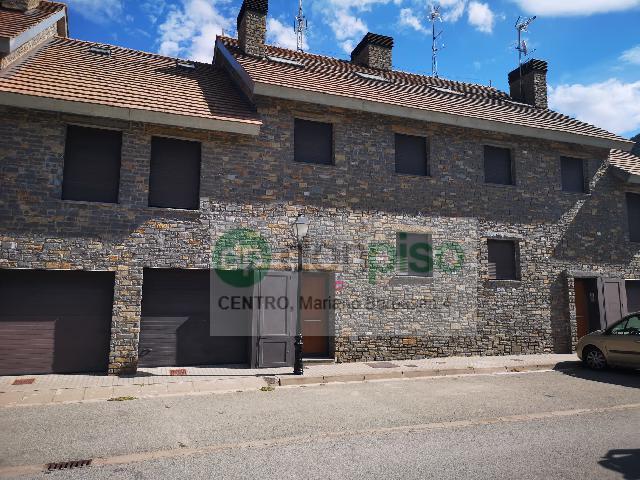 Imagen 1 Inmueble 242449 - Casa en venta en Villanúa / Calle San Esteban
