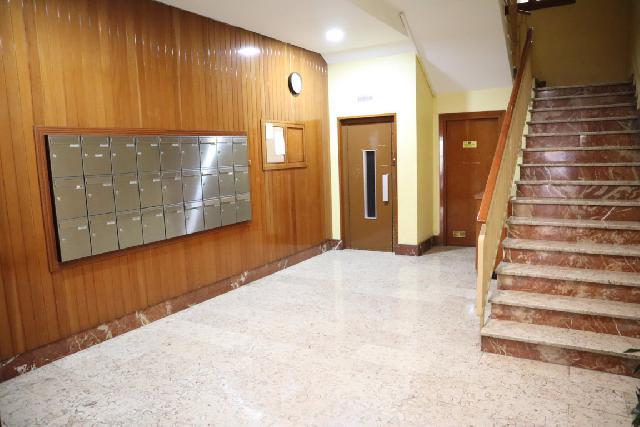 Imagen 1 Inmueble 254316 - Piso en venta en Zaragoza / Calle Andres Piquer
