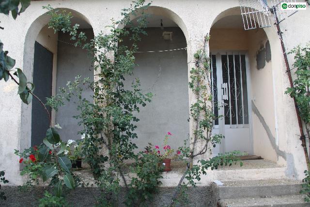 Imagen 1 Inmueble 212052 - Casa en venta en Escurial De La Sierra / Escurial De La Sierra