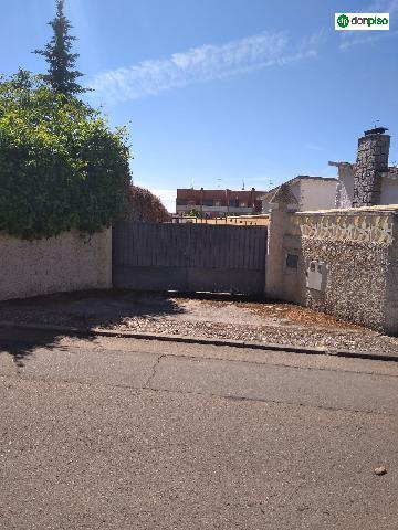 Imagen 1 Inmueble 227417 - Solar Urbano en venta en Villamayor / Urbanización Los Almendros. Calle almendros