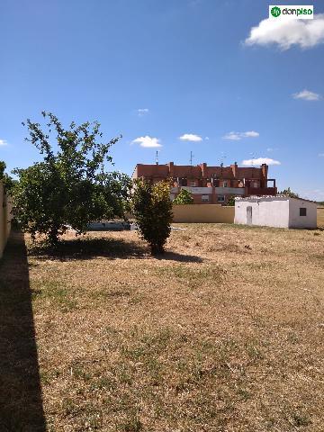 Imagen 1 Inmueble 227417 - Solar Urbano en venta en Villamayor / Urbanización Los Almendros