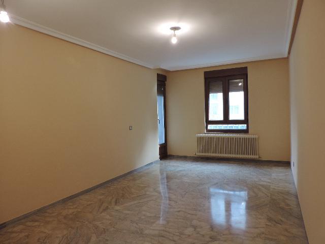 Imagen 1 Inmueble 236241 - Piso en venta en Salamanca / Principio de Paseo de Canalejas
