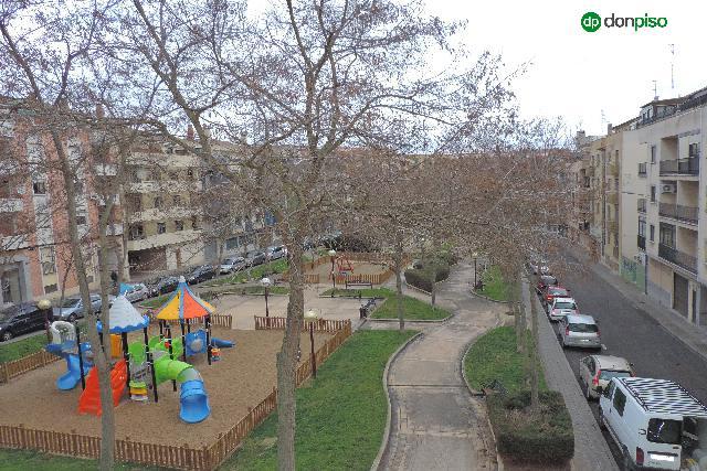 Imagen 1 Inmueble 236371 - Piso en venta en Salamanca / Zona Camino de las aguas. Calle Almansa