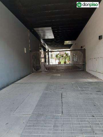 Imagen 1 Inmueble 236622 - Parking Coche en venta en Salamanca / Edificio las Brisas. Paseo de la Estación