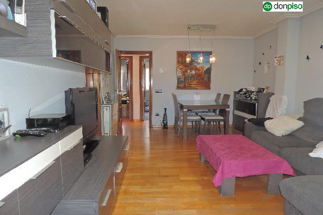 Imagen 1 Inmueble 241116 - Ático en venta en Salamanca / Calle Saavedra y Fajardo