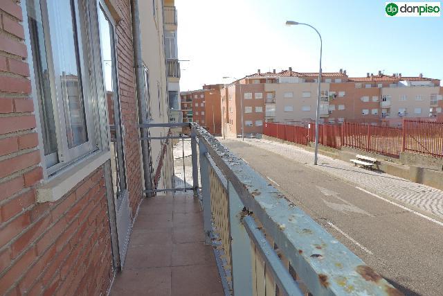 Imagen 1 Inmueble 242065 - Piso en venta en Salamanca / Teso del Cañones Calle oropendola