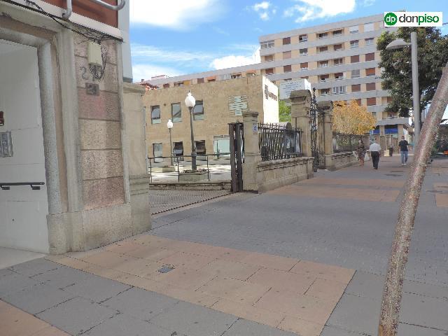 Imagen 1 Inmueble 242724 - Parking Coche en venta en Salamanca / Primer tramo paseo de la estacion