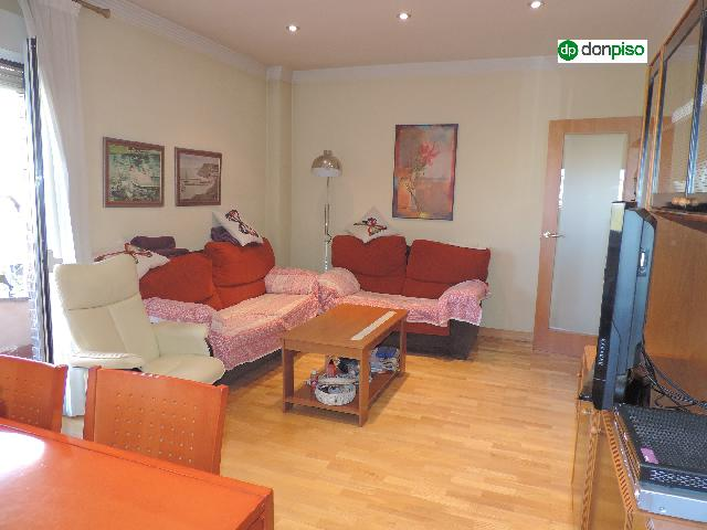 Imagen 1 Inmueble 243318 - Piso en venta en Salamanca / Avenida de los Comuneros