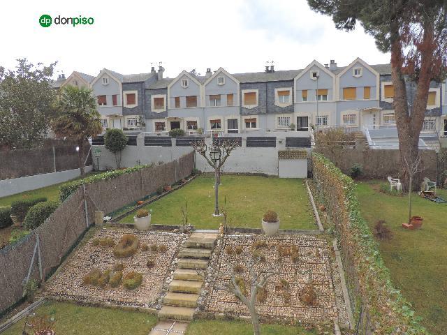 Imagen 1 Inmueble 246519 - Casa Adosada en venta en Villares De La Reina /