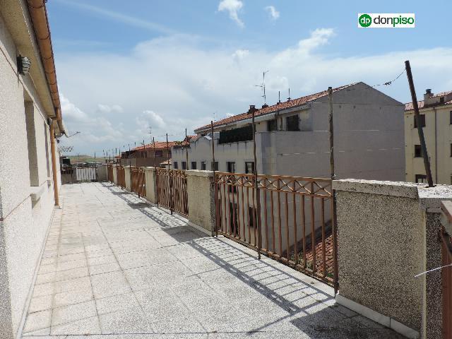 Imagen 1 Inmueble 248780 - Ático en venta en Salamanca / Calle Maestro Correas. Avn Comuneros