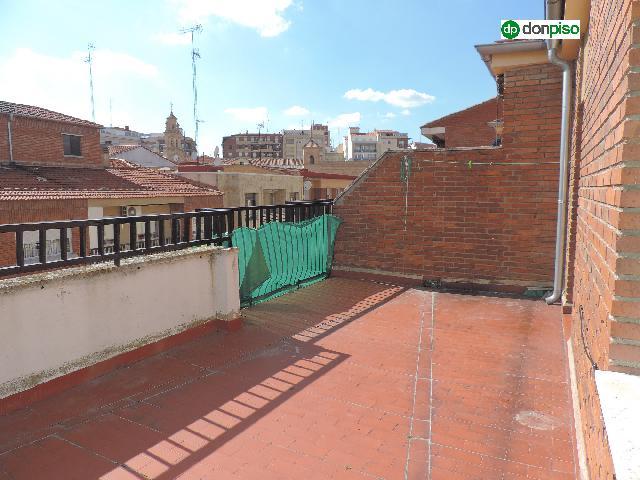 Imagen 1 Inmueble 249270 - Ático en alquiler en Salamanca / Calle Don Bosco