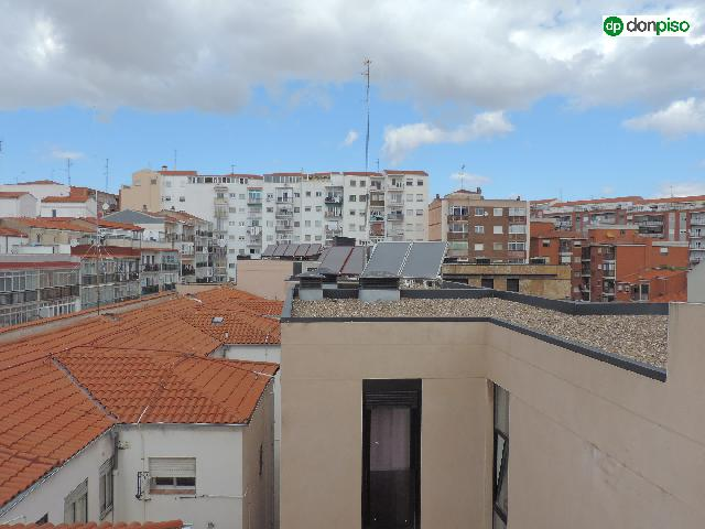 Imagen 1 Inmueble 253680 - Piso en venta en Salamanca / Paseo Estacion .