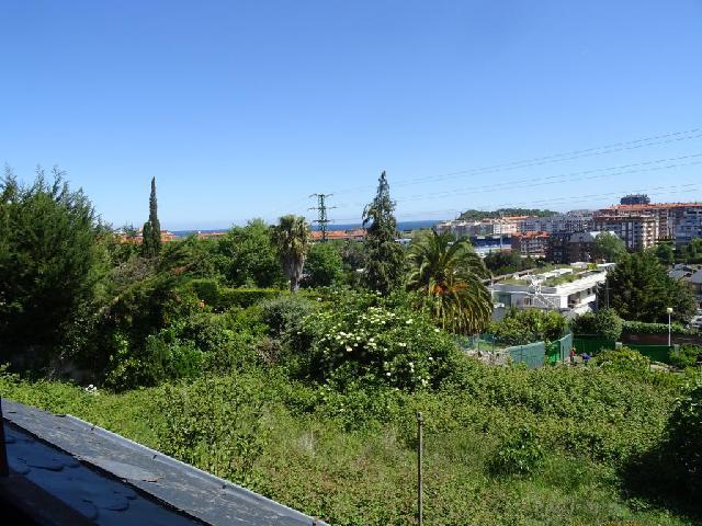 Imagen 1 Inmueble 225484 - Casa en venta en Castro-urdiales / Zona Brazomar-La Loma