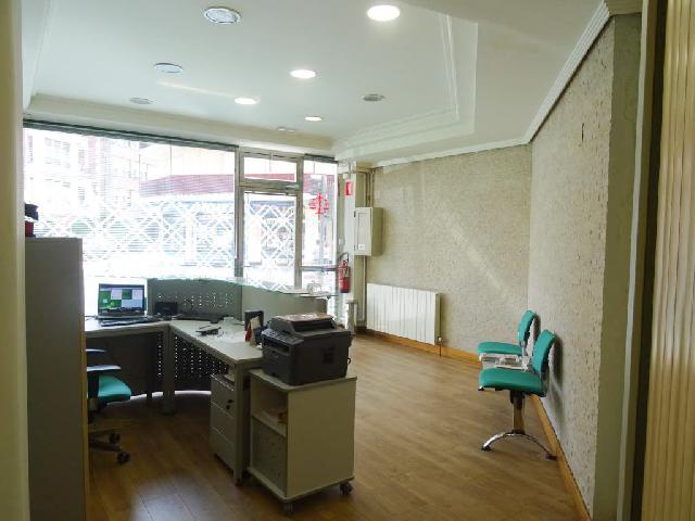 Imagen 1 Inmueble 229949 - Local Comercial en venta en Getxo / Zona muelle Las Arenas