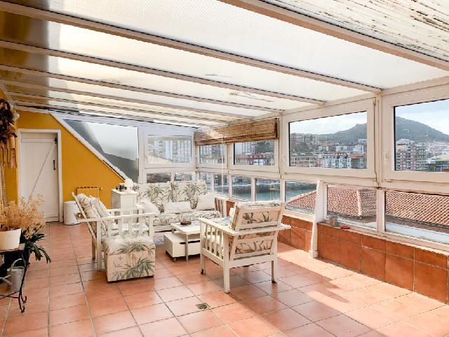 Imagen 1 Inmueble 237746 - Dúplex en venta en Getxo / Junto al Puente Colgante