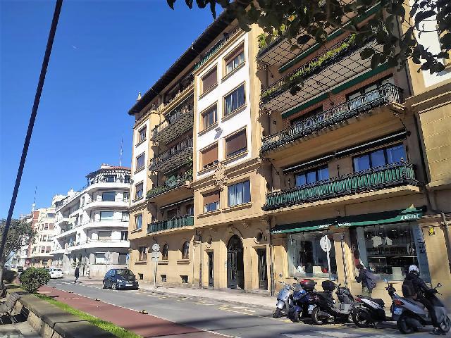 Imagen 1 Inmueble 247430 - Piso en venta en Getxo / Zona     Muelle
