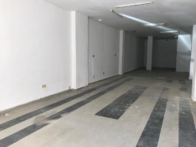 Imagen 1 Inmueble 204878 - Local Comercial en alquiler en Valencia / Frente al Colegio Público Antonio García López.