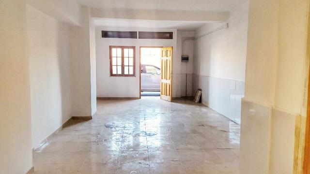 Imagen 1 Inmueble 209512 - Local Comercial en venta en Valencia / Junto Centro Salud Serrería y Estación del Cabañal