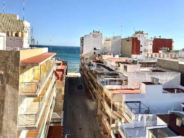 Imagen 1 Inmueble 226272 - Ático en venta en Valencia / A 50 metros de la playa de les Palmeres .