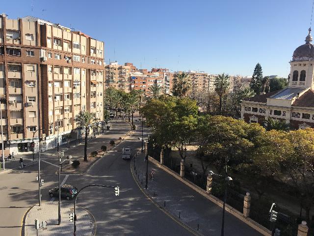Imagen 1 Inmueble 228637 - Piso en venta en Valencia / Frente Jardines de Ayora y su parada de Metro
