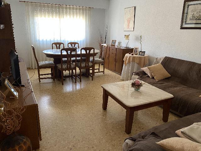Imagen 1 Inmueble 235916 - Piso en venta en Valencia / A 10 minutos de Valencia y 20 de las Playas