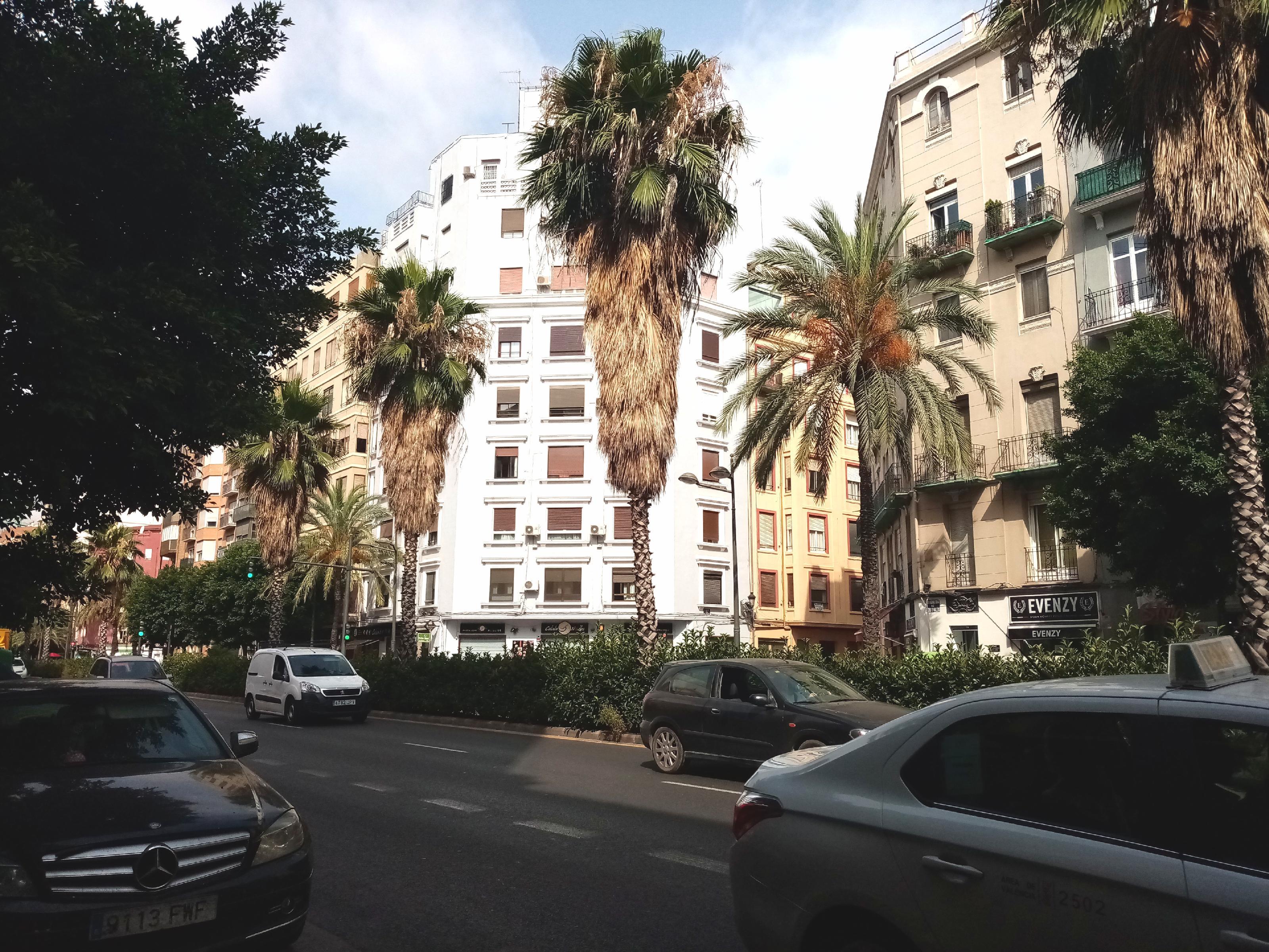 Imagen 1 Oficina Comercial en alquiler en Valencia / Junto al Bº de Ruzafa en Avenida de Peris i Valero