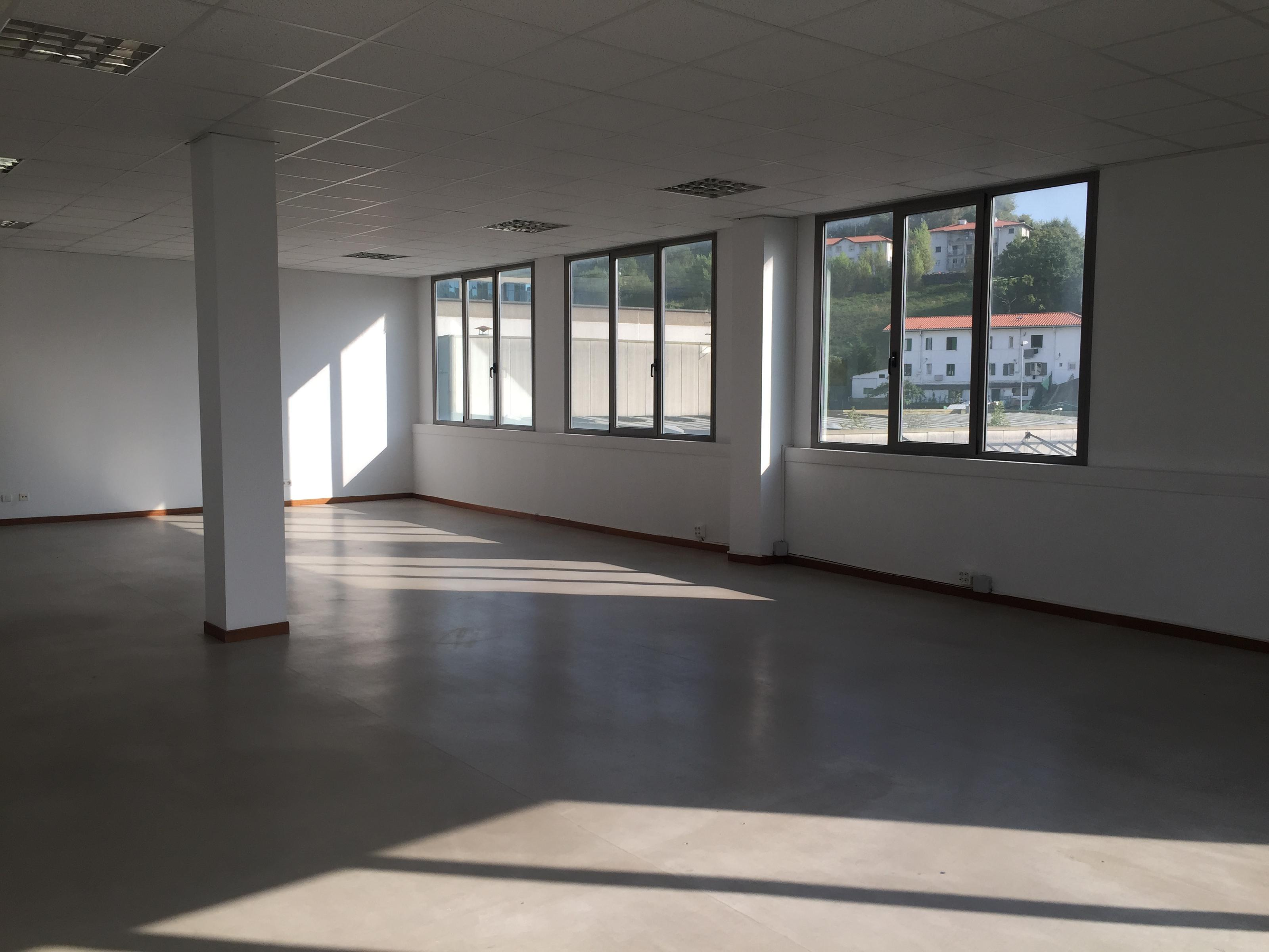 Imagen 1 Oficina Comercial en venta en San Sebastián / Polígono de Igara, Donostia