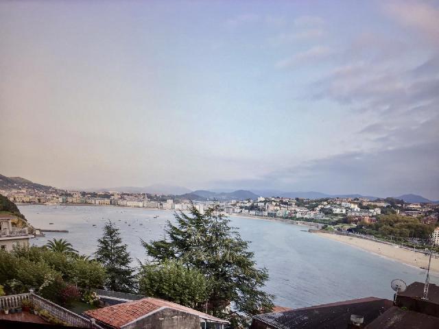 Imagen 1 Inmueble 230013 - Piso en venta en San Sebastián / Igeldo, Donostia