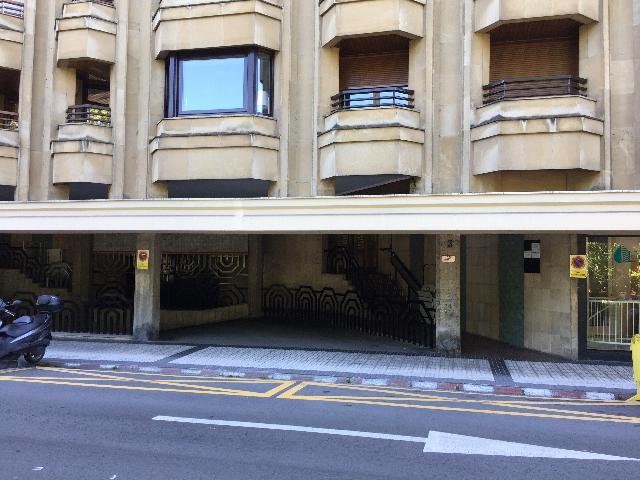 Imagen 1 Inmueble 240123 - Parking Coche en venta en San Sebastián / Al lado del puente Maria Cristina, Centro, Donostia