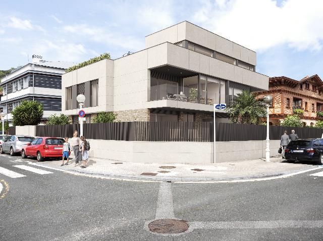 Imagen 1 Inmueble 240914 - Piso en venta en San Sebastián / A 100m de la playa de Ondarreta, Antiguo