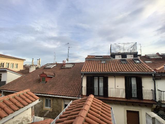 Imagen 1 Inmueble 244398 - Piso en alquiler en Donostia-San Sebastián / Portu Kalea, Parte Vieja