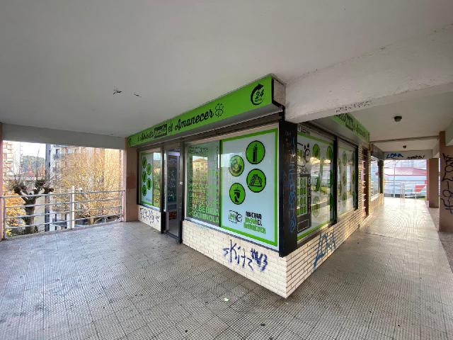 Imagen 1 Inmueble 245700 - Local Comercial en venta en Donostia-San Sebastián / Barrio de Alza, Donosti