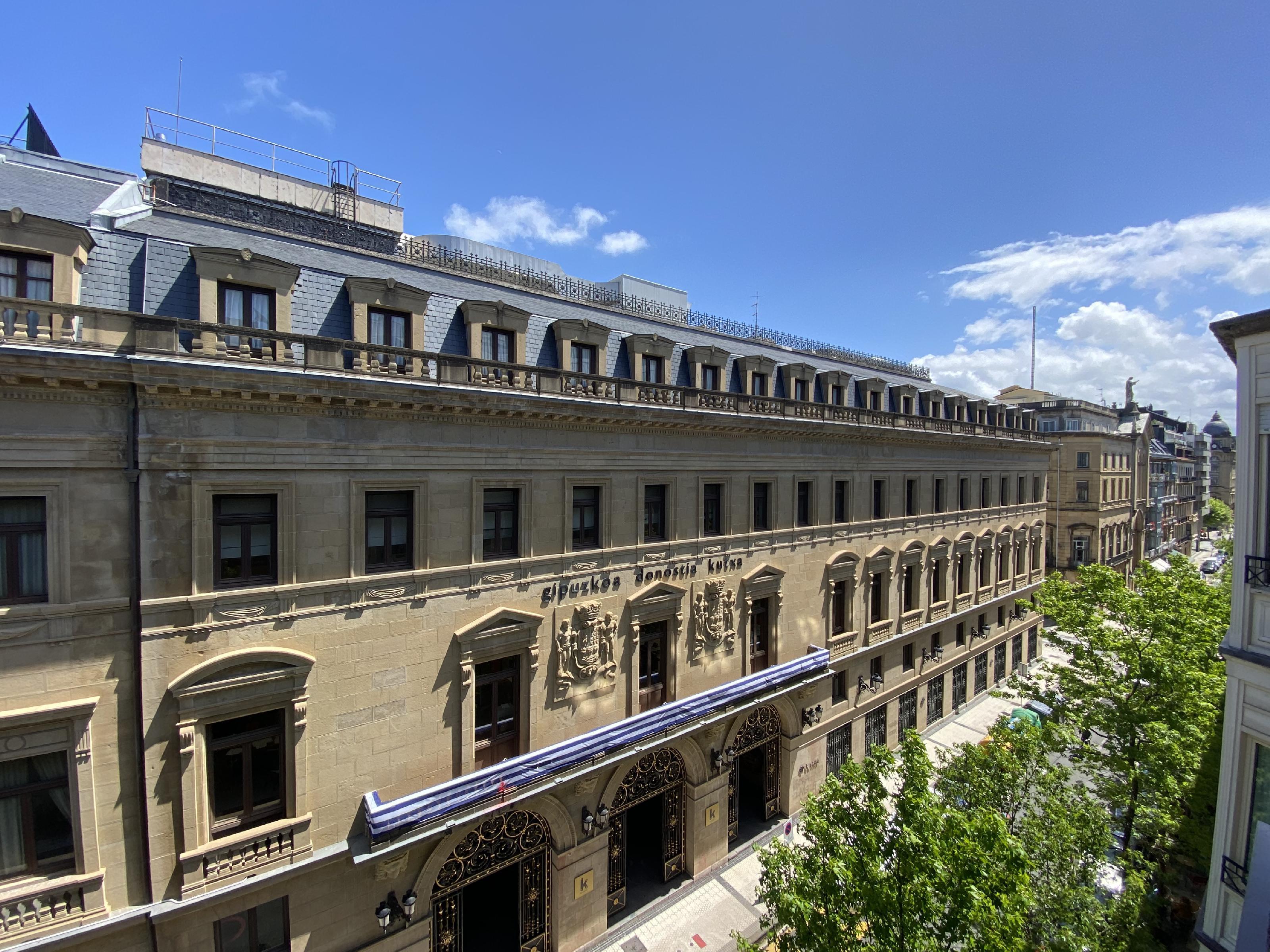 Imagen 4 Piso en venta en Donostia-San Sebastián / Calle Garibai, centro a 100 metros de la Concha