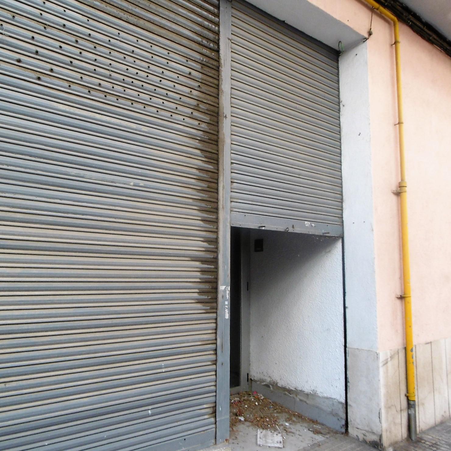 Imagen 2 Local Comercial en venta en Vilafranca Del Penedès / Junto a gasolinera y Carretera de igu...
