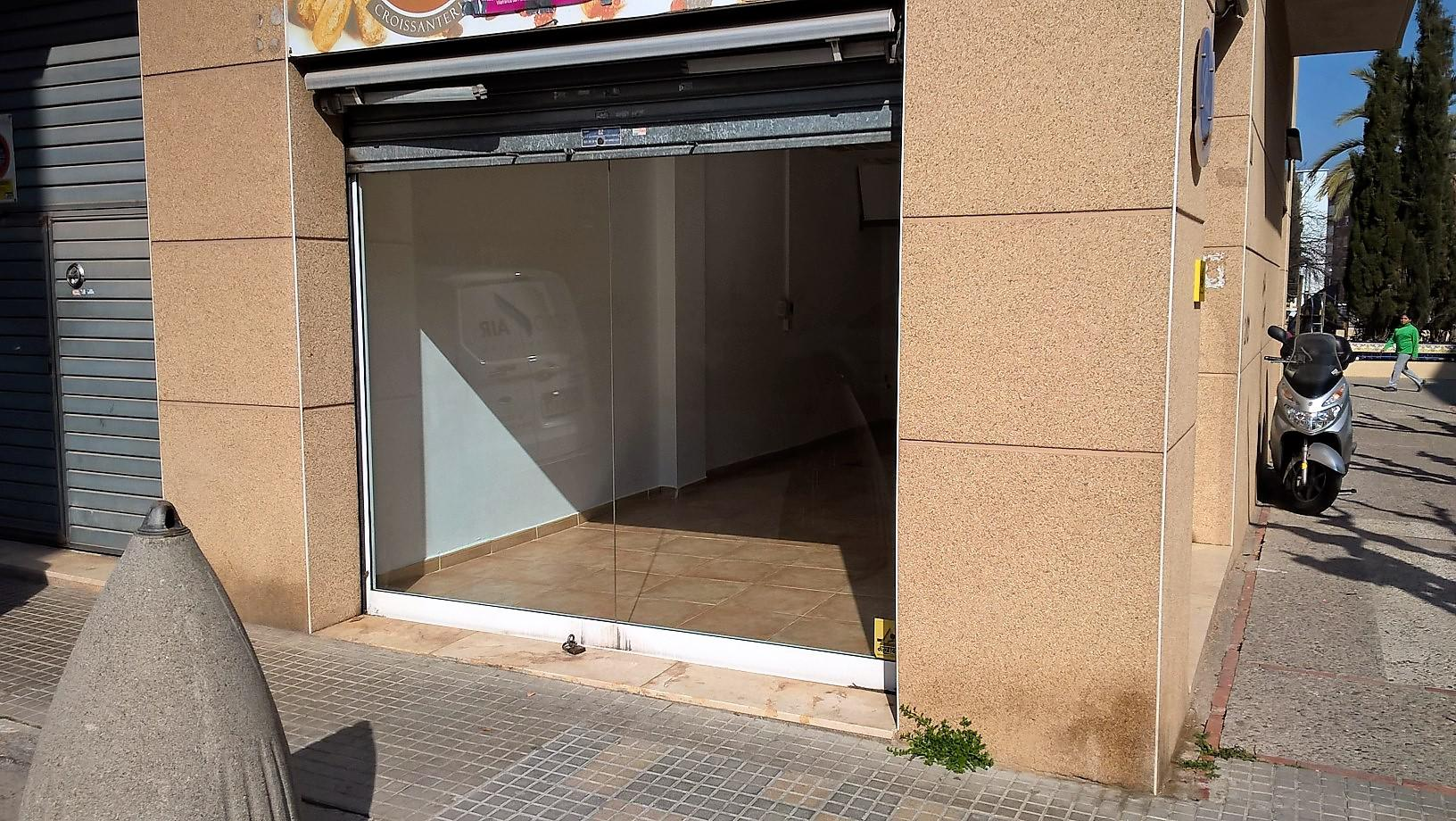 Imagen 4 Local Comercial en venta en Vilafranca Del Penedès / Junto a la plaza Abad Blanch. Mejor z...