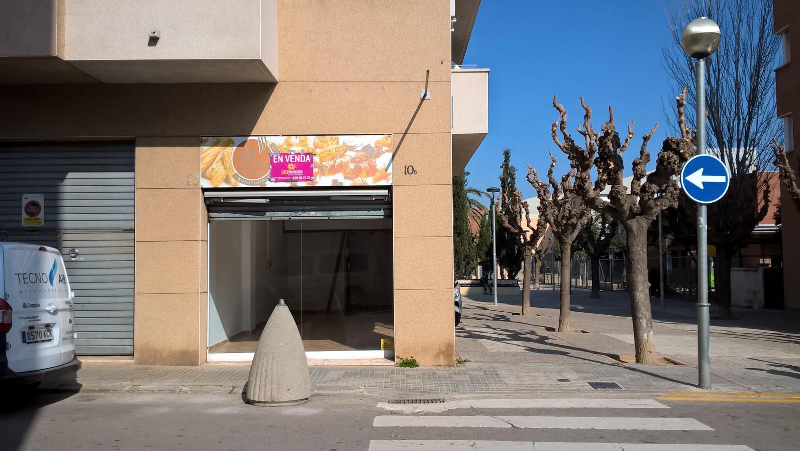 Imagen 2 Local Comercial en venta en Vilafranca Del Penedès / Junto a la plaza Abad Blanch. Mejor z...