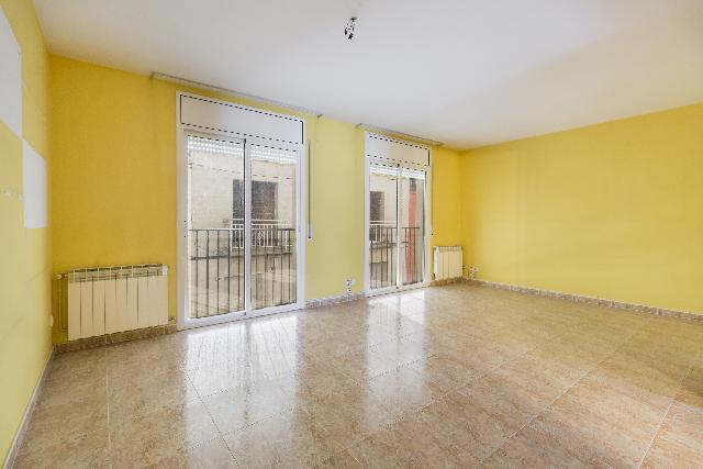Imagen 1 Inmueble 231828 - Casa en venta en Granada (La) / Cerca del centro de la población.